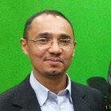 الأستاذ الدكتور خواجة عبد العزيز